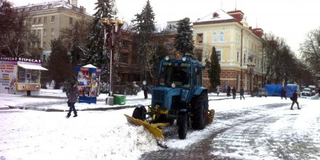 Інформація  про виконання робіт із утримання вуличної мережі міста  в ніч з 21 на 22 січня