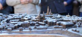 У Тернополі відкрили бронзовий макет центральної частини міста ХХ століття