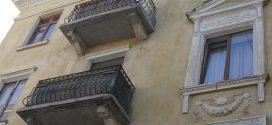 На Грушевського, 5 здійснили поточний ремонт балконів