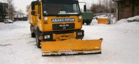 Прибирання снігу у місті триває